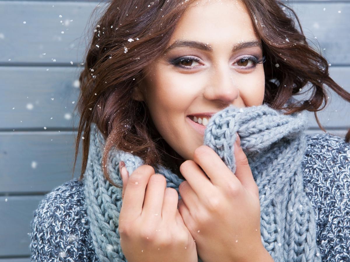 kobieta w zimowym stroju