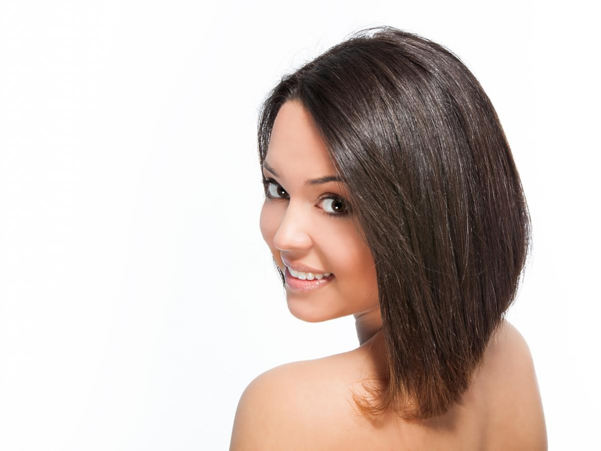 Kobieta z fryzurą lob