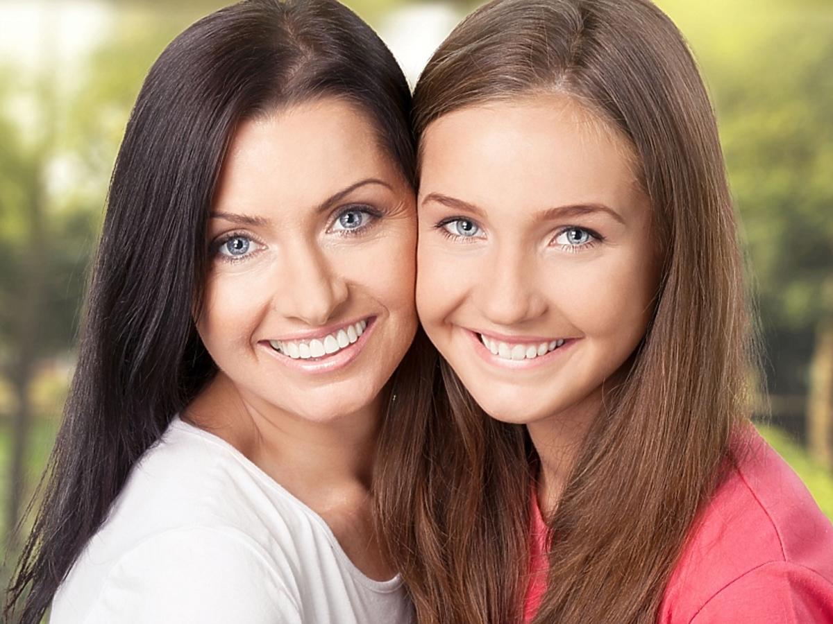 Kobiety z pięknym uśmiechem