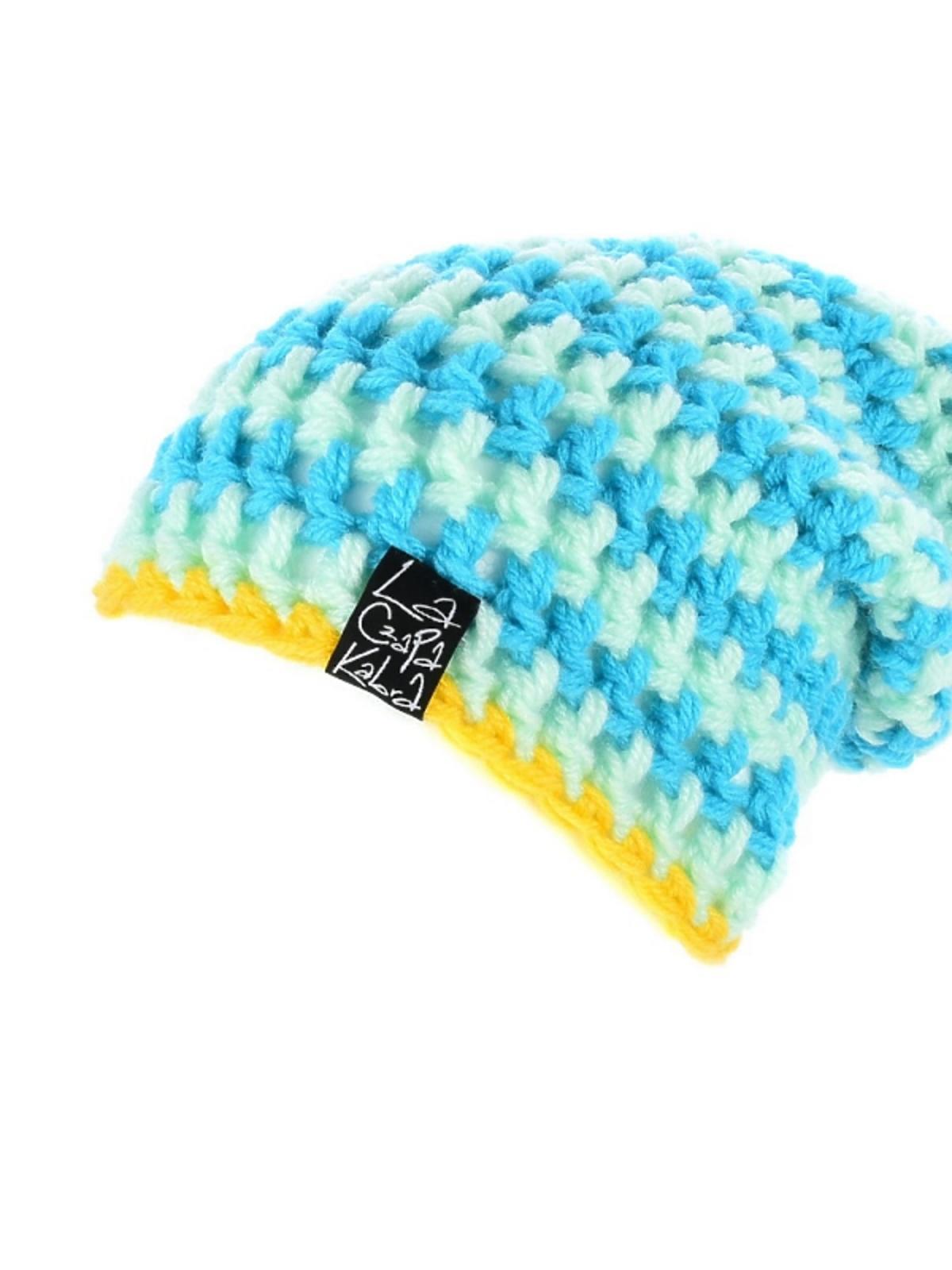 kolorowa czapka z pomponem