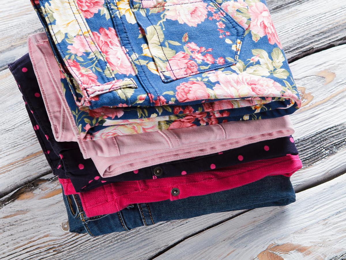 Kolorowe jeansy