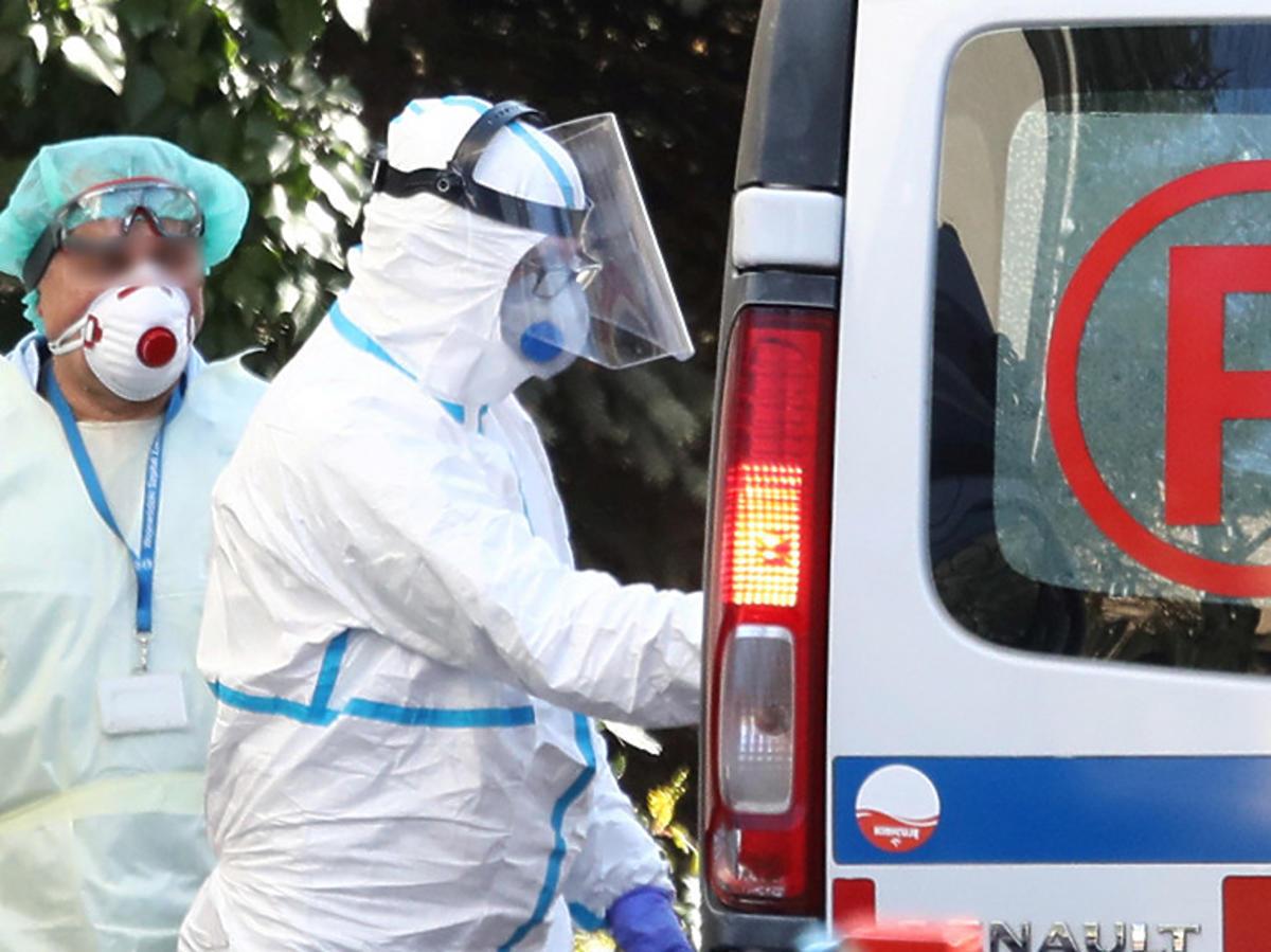 Koronawirus w Polsce. Rośnie liczba zachorowań. Ilu jest chorych?