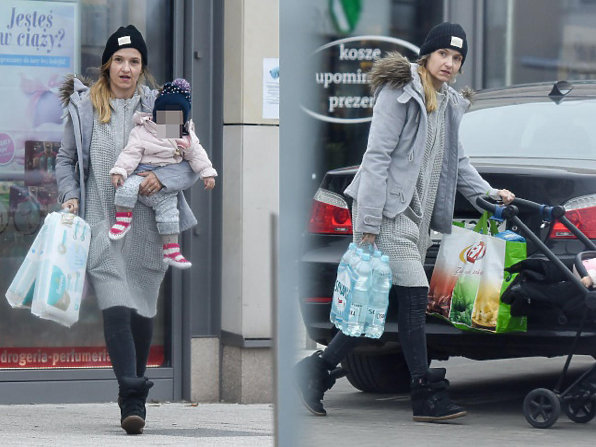 Koroniewska z córką na zakupach