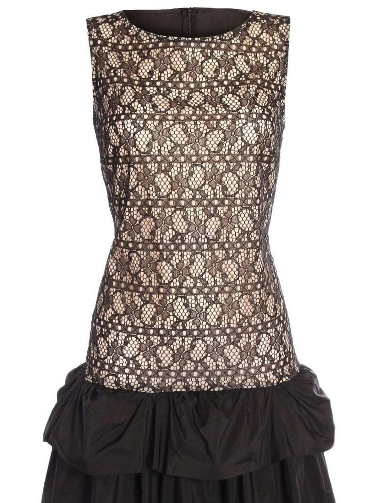 koronkowa czarna sukienka z falbanami