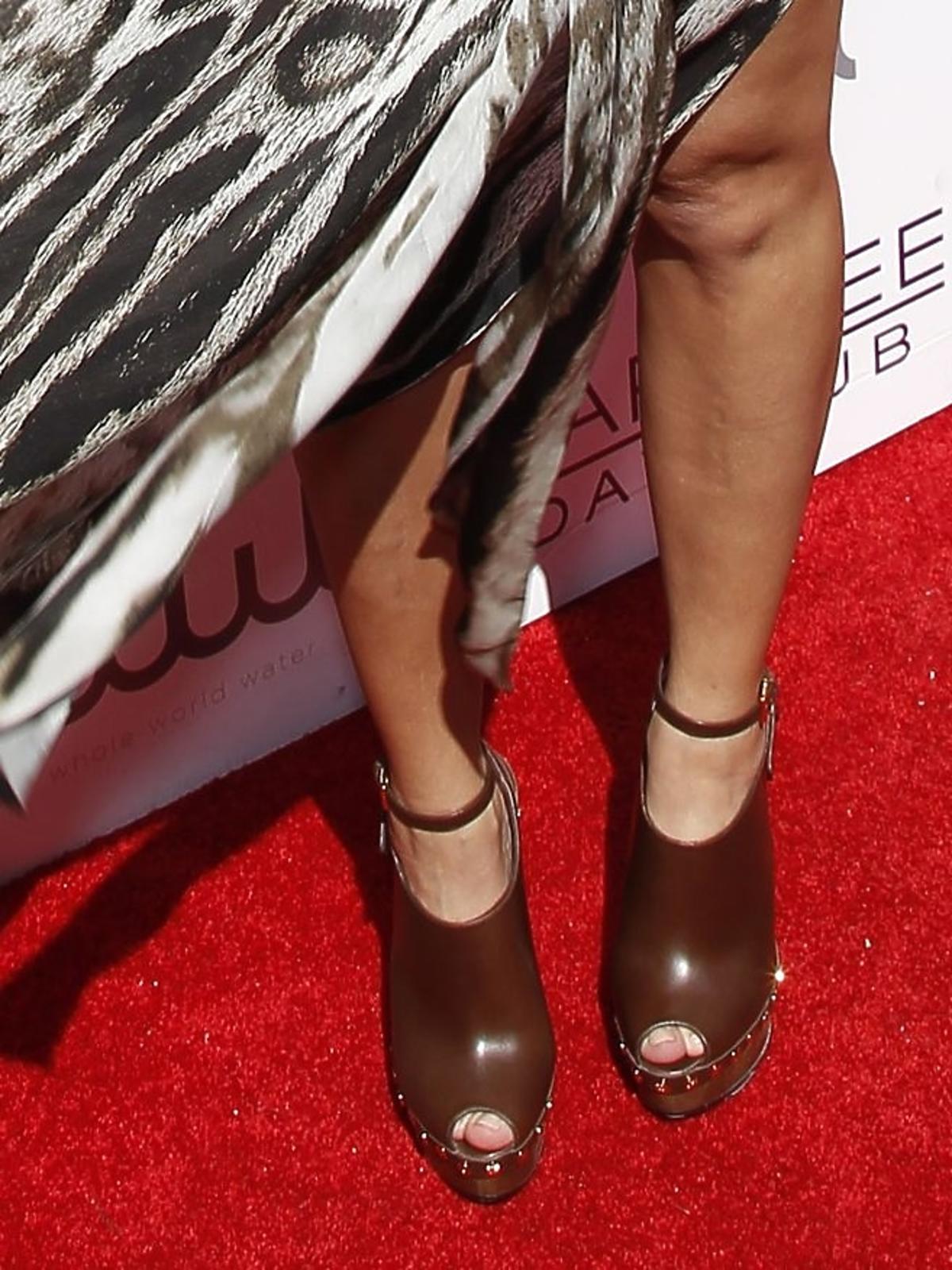 Kourtney Kardashian w zwiewnej sukience