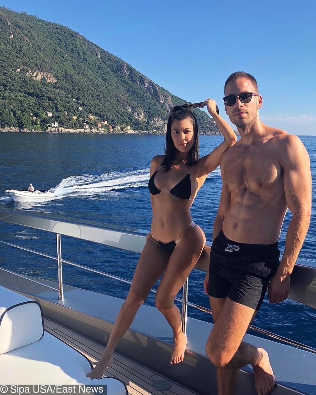Kourtney Kardashian z kochankiem na wakacjach