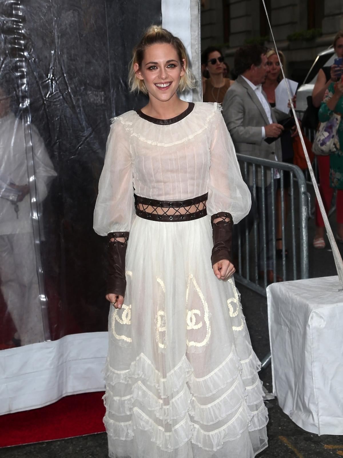 Kristen Stewart w białej sukni