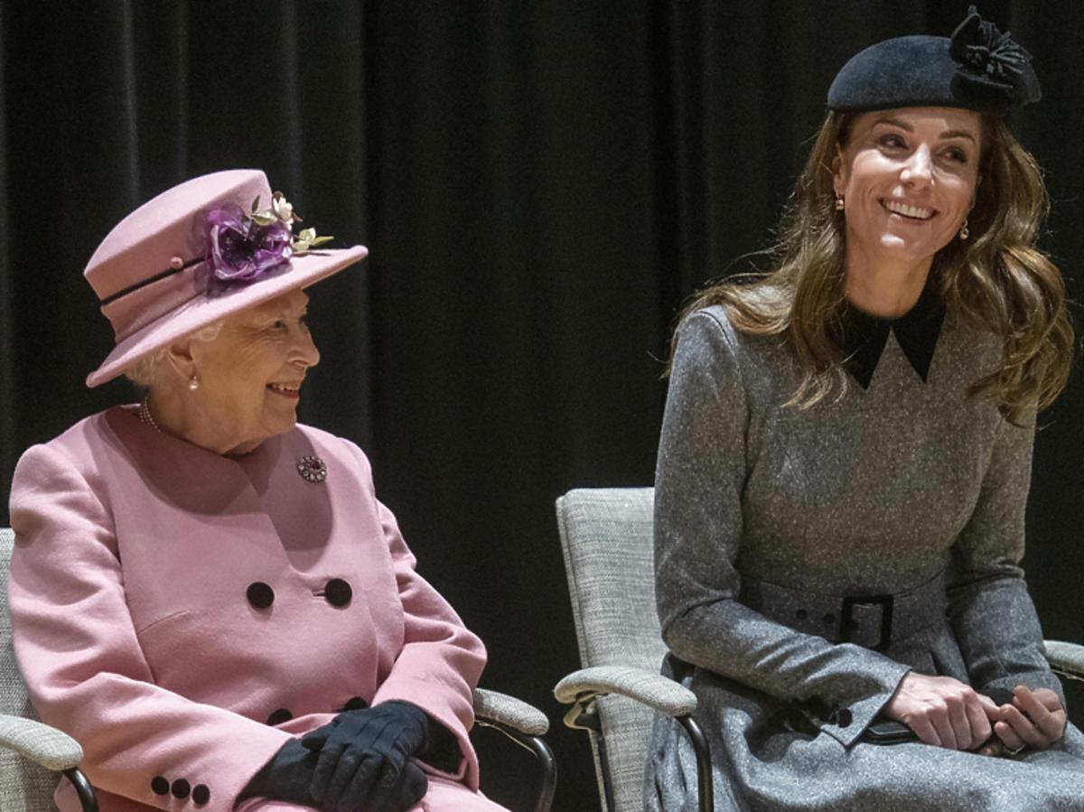 Królowa Elżbieta II i księżna Kate