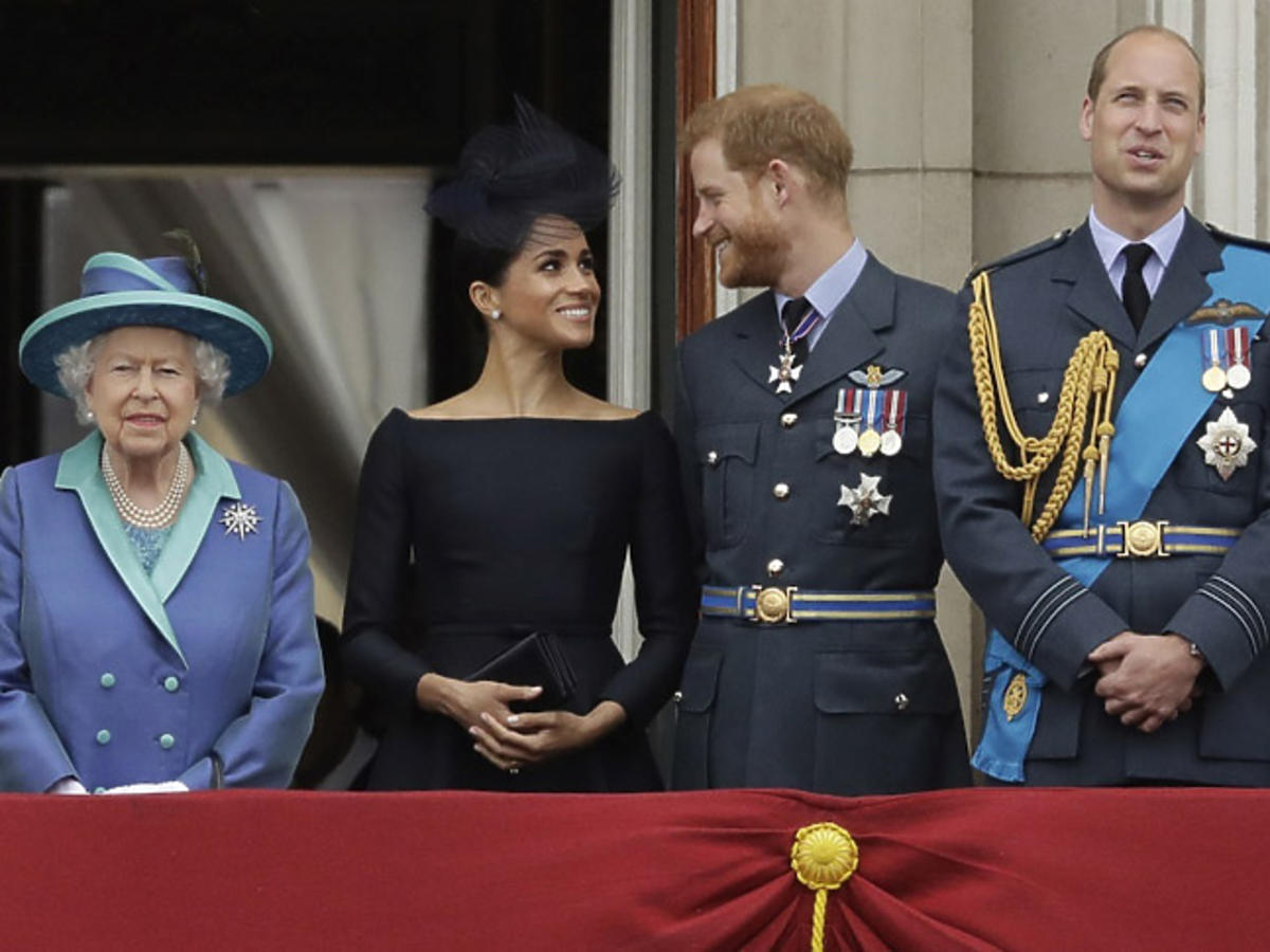 królowa Elżbieta II, książę William, książę Harry, Meghan Markle, księżna Kate