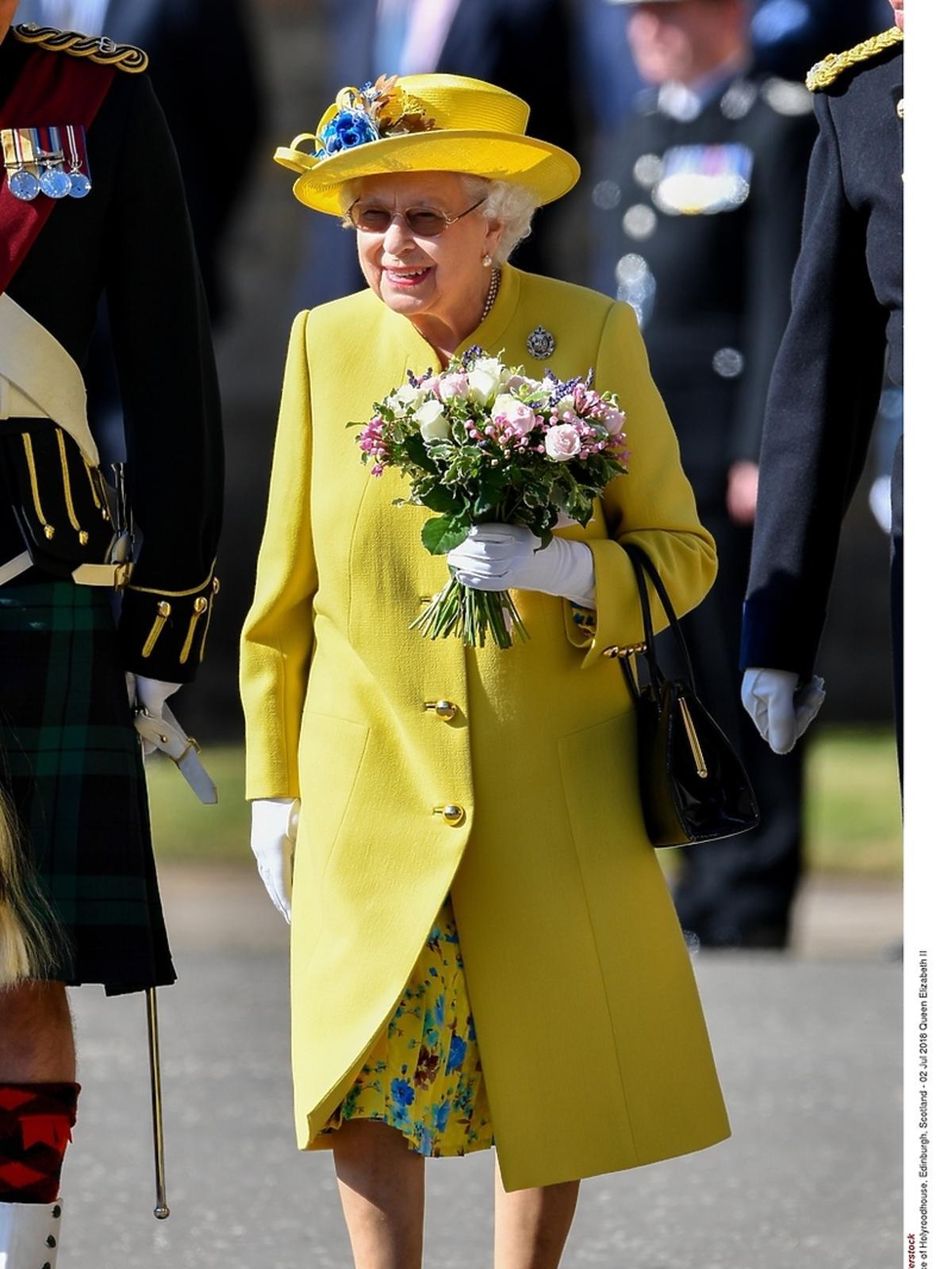 Królowa Elżbieta II odebrała klucze od Edynburgu