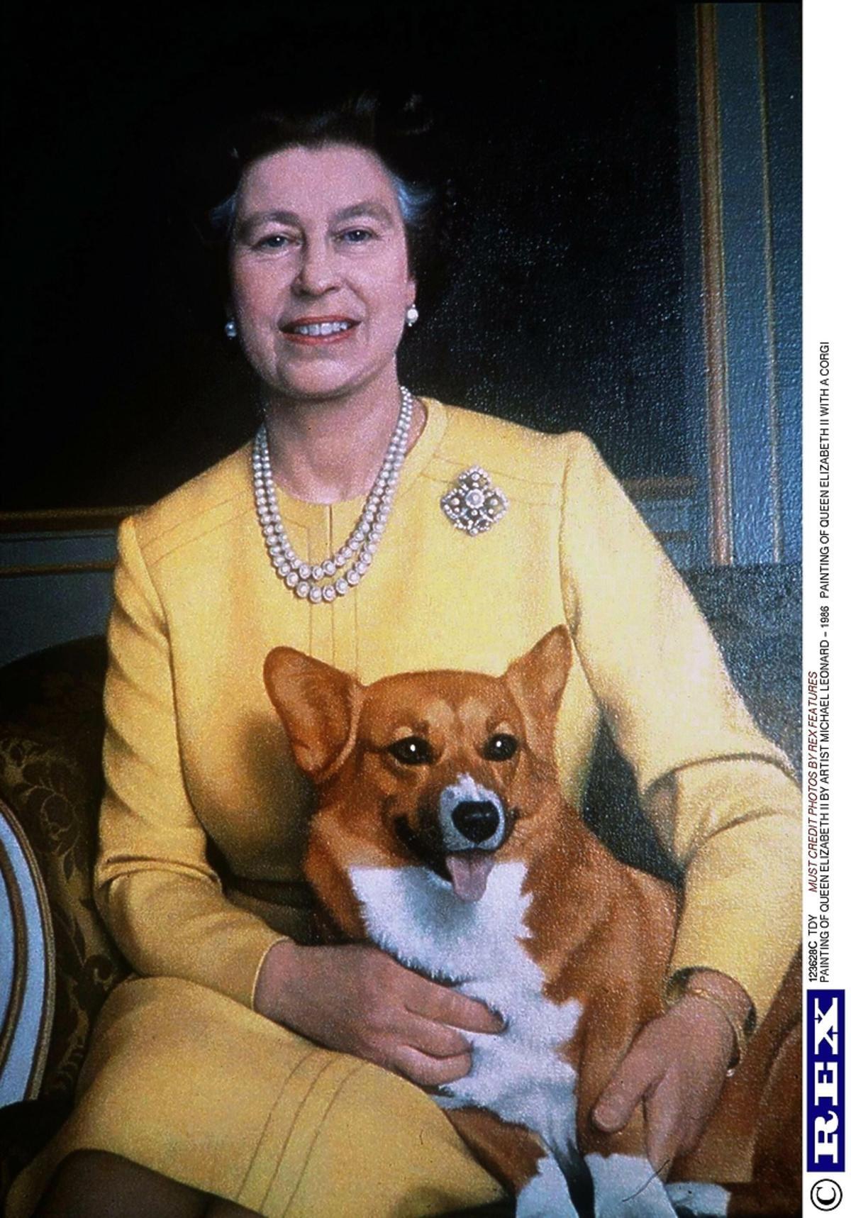 Królowa Elżbieta II z psem rasy corgi