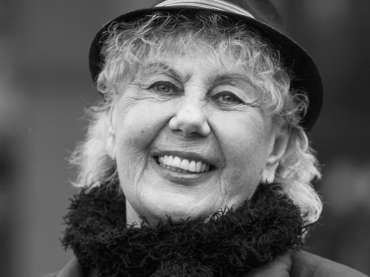 Krystyna Kołodziejczyk zbiera datki na Powązki
