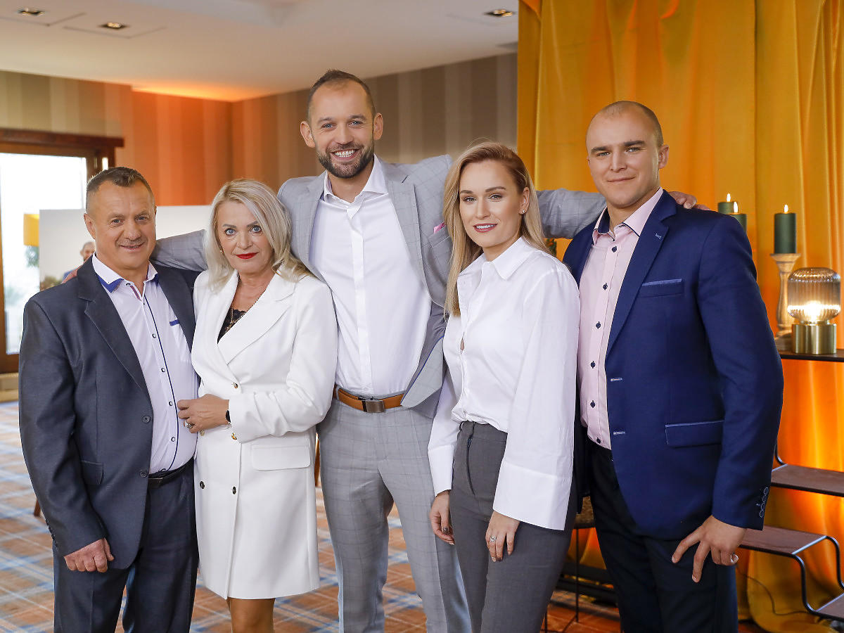 Krzysztof, Elżbieta, Stanisław Pytlarz, Kamila Boś i Kami z Rolnik szuka żony 8 finał edycji
