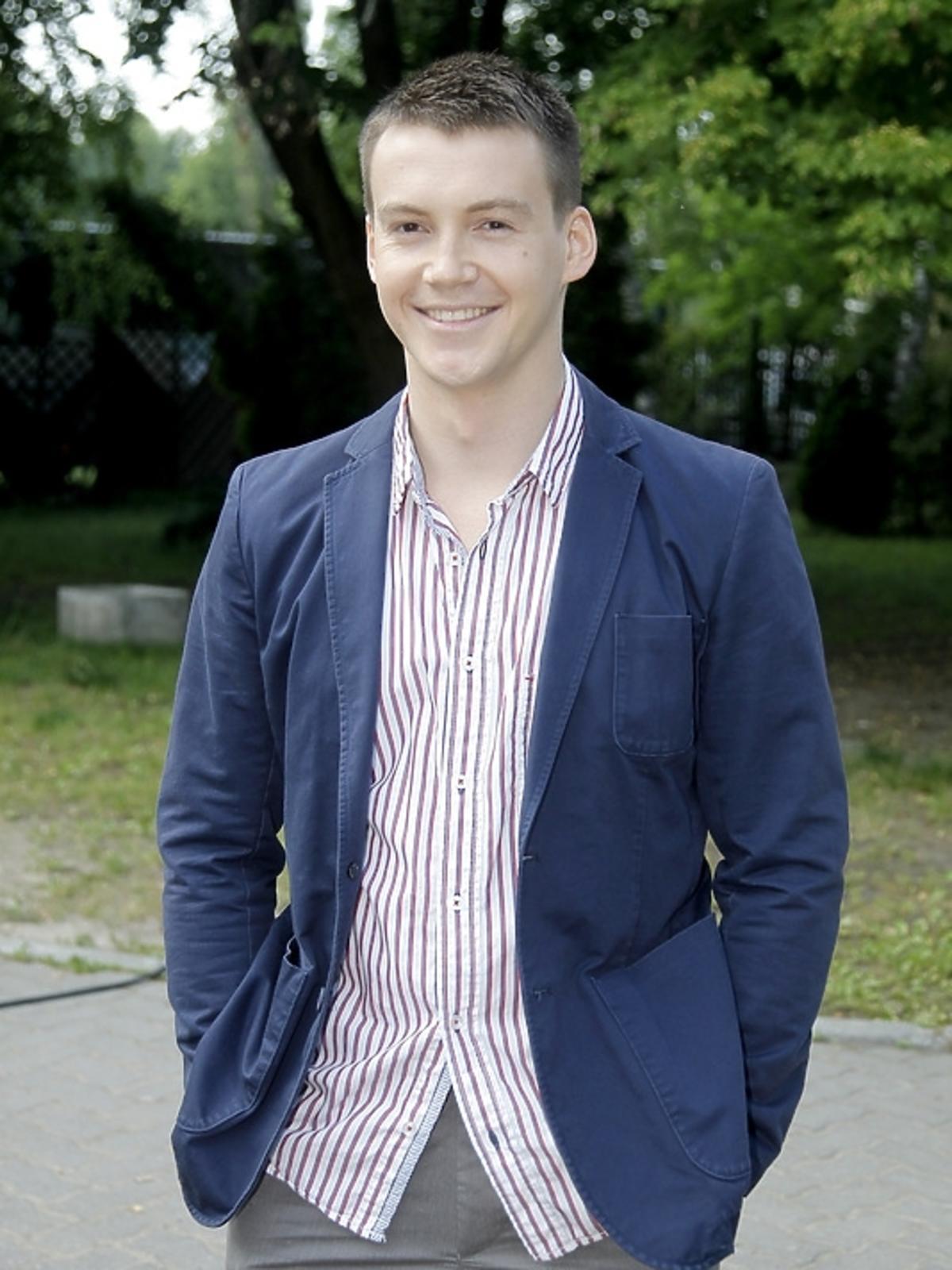 Krzysztof Kwiatkowski na planie serialu