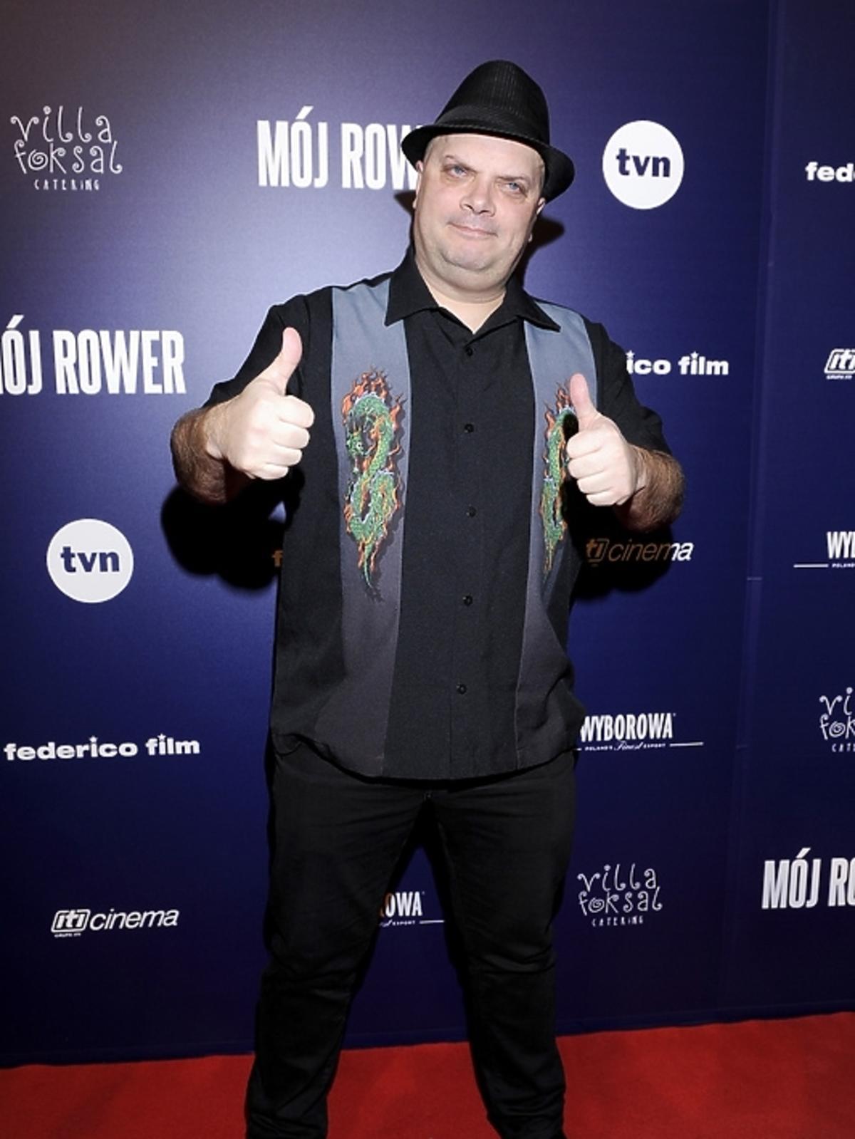 Krzysztof Skiba na premierze filmu