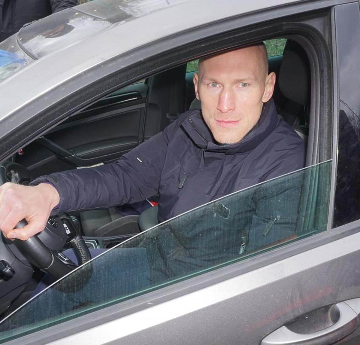 Krzysztof Włodarczyk w samochodzie