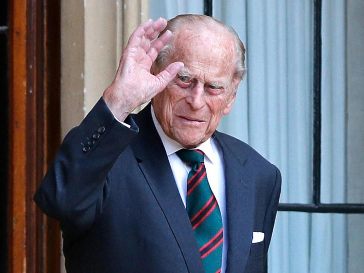 Książę Filip wciąż w szpitalu. Odwiedził go syn, książę Karol