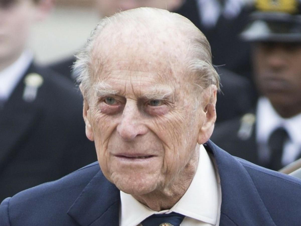 Książę Filip został przewieziony do innego szpitala