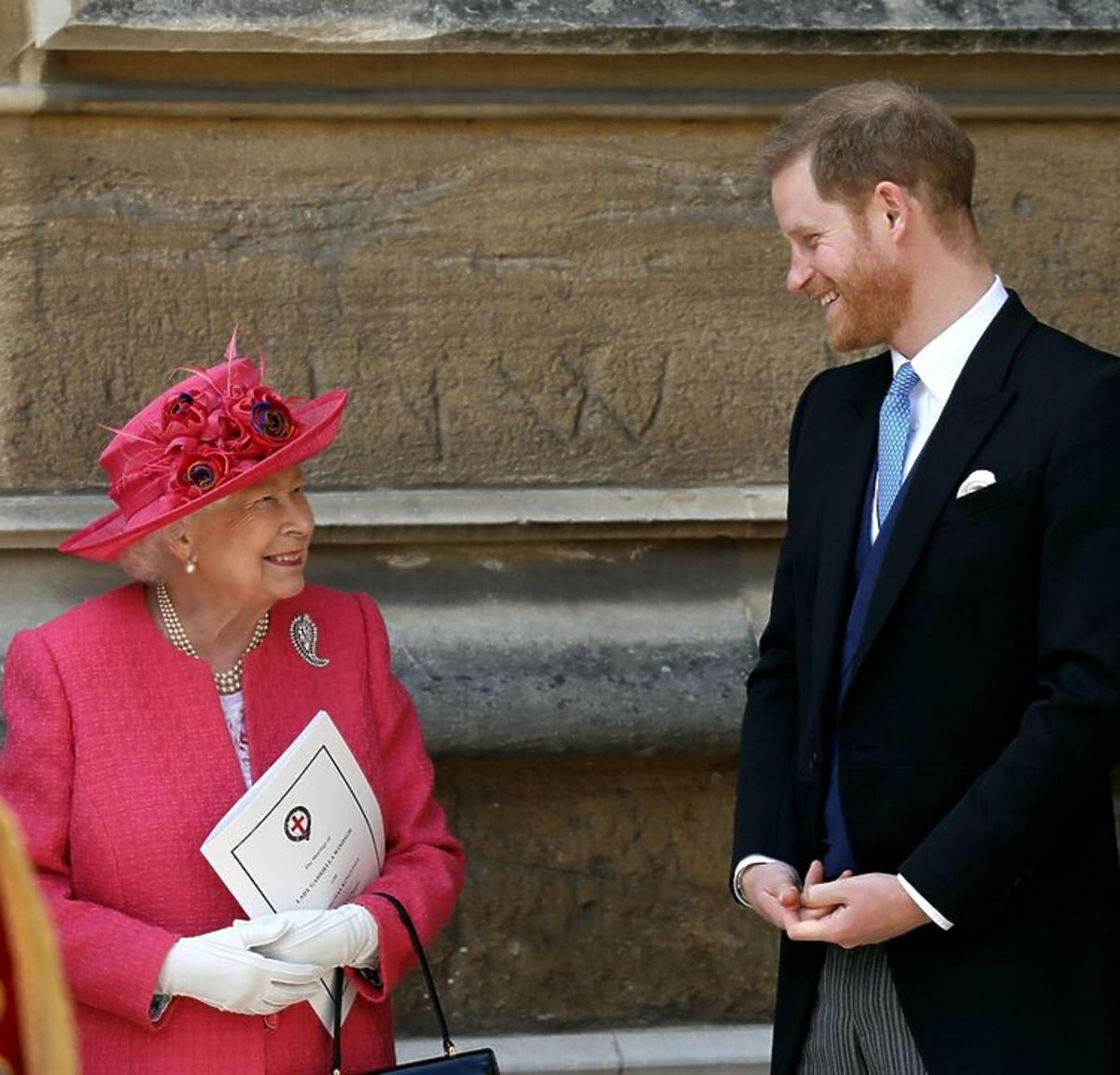 Książę Harry, Królowa Elżbieta II w różowym