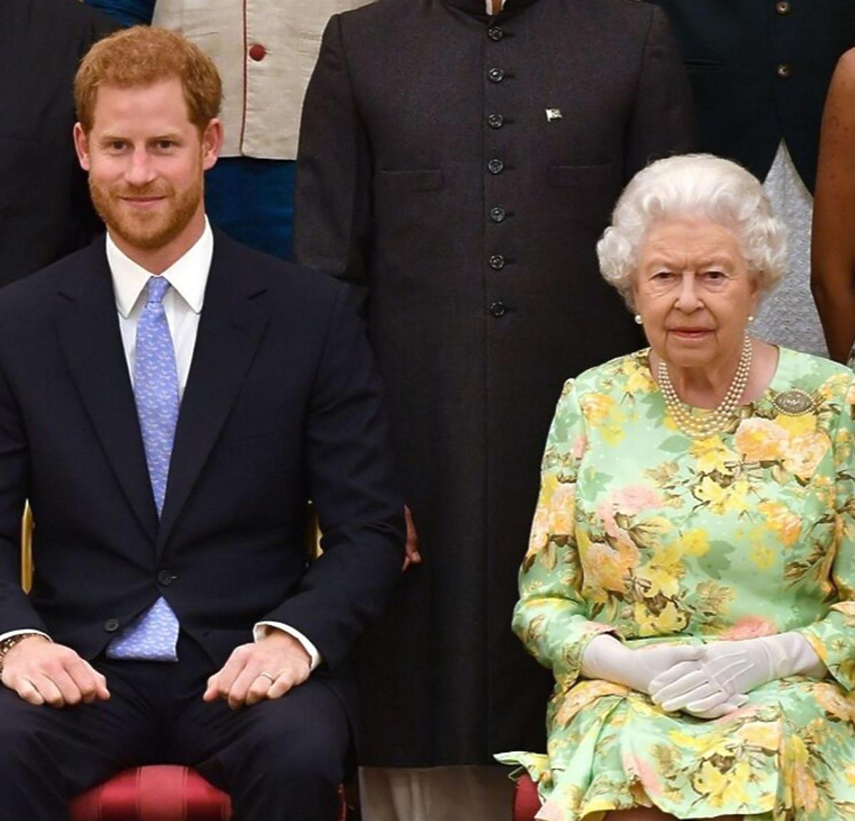 Książę Harry, Królowa Elżbieta II w zielonej garsonce