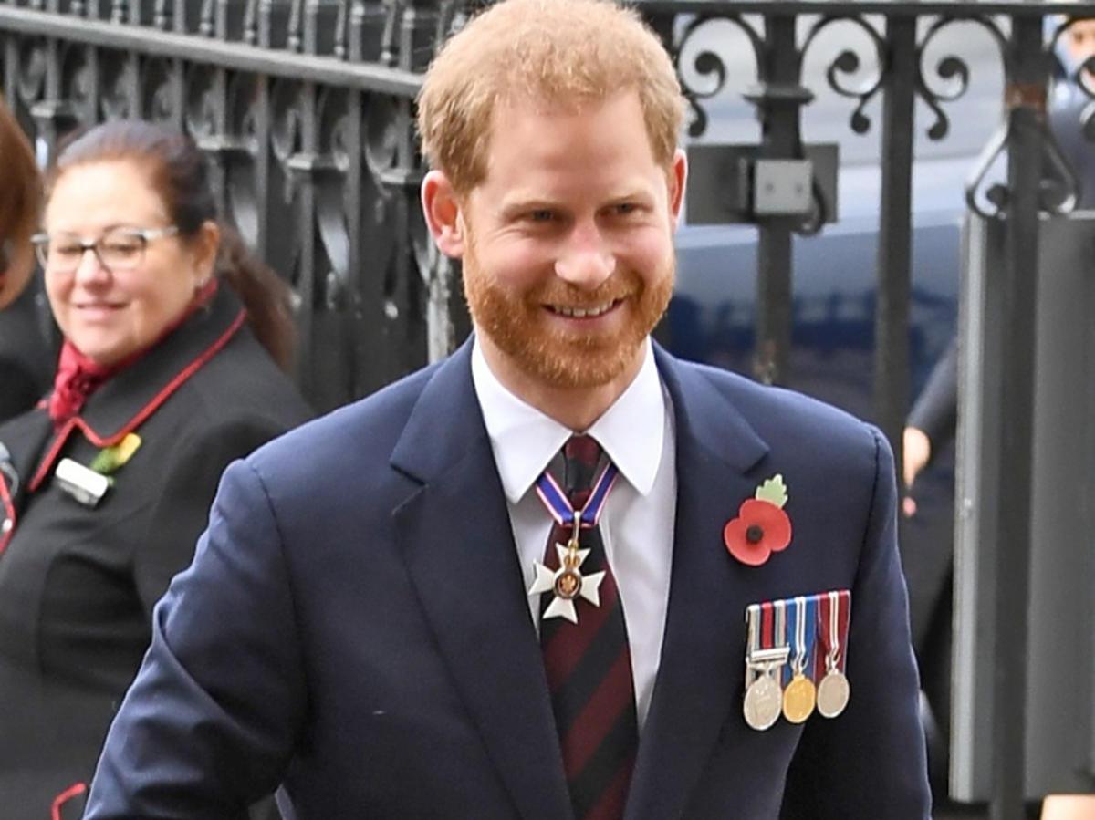 Książę Harry z medalami
