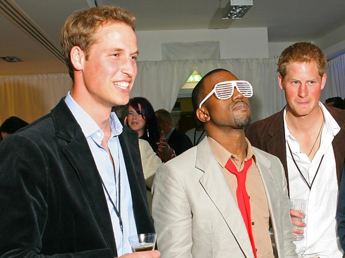 Książę William i książę Harry na imprezie