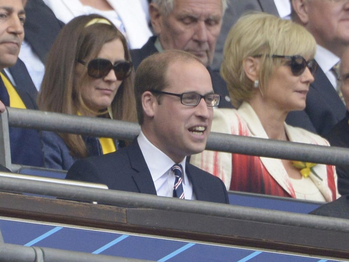 Książę William kibicuje na meczu