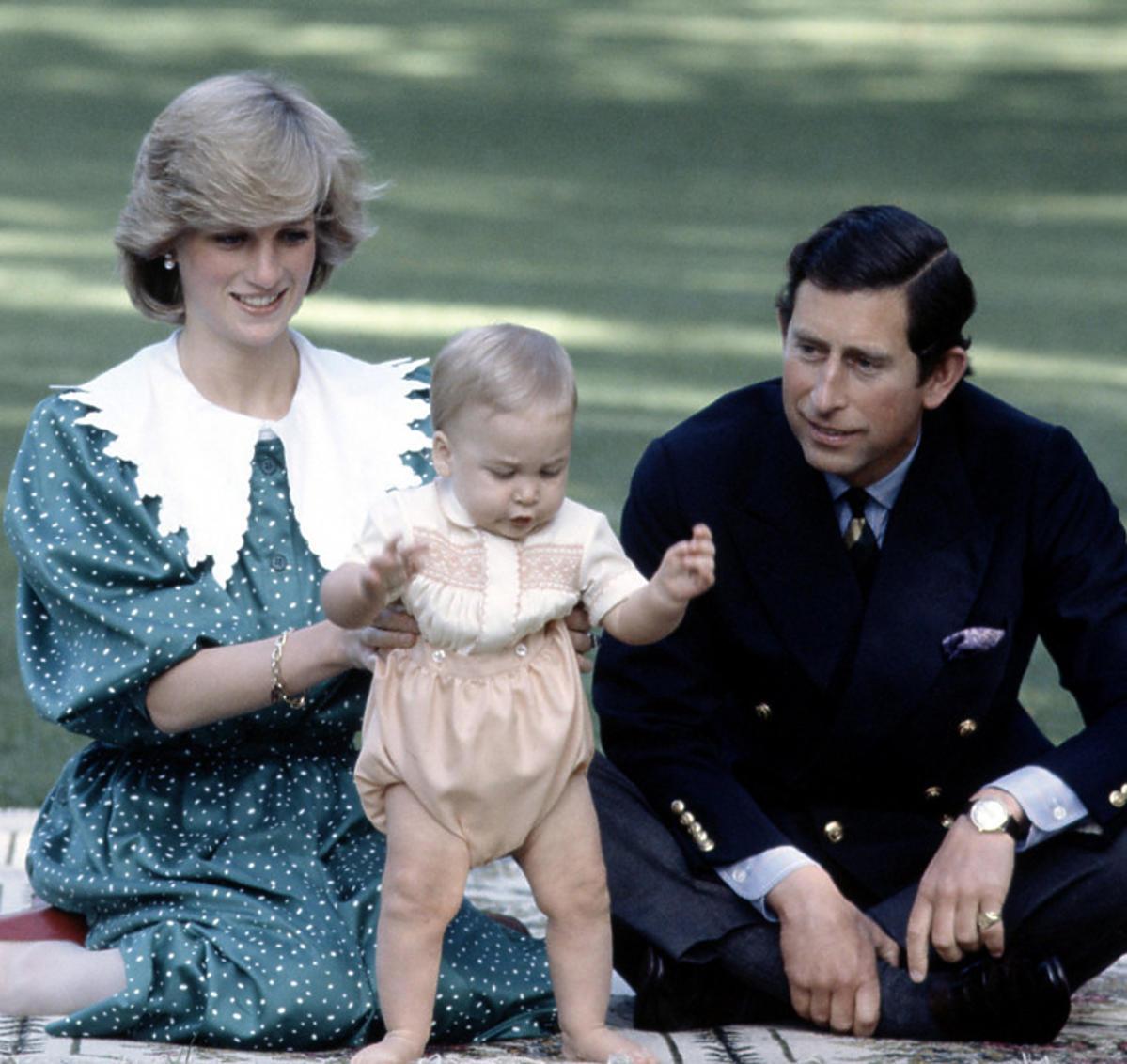 Księżna Diana z księciem Karolem i małym Williamem