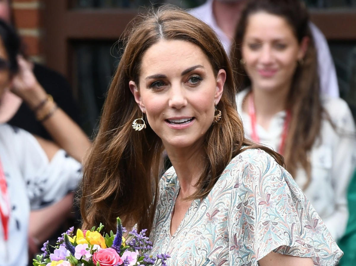 księżna Kate buty na koturnie