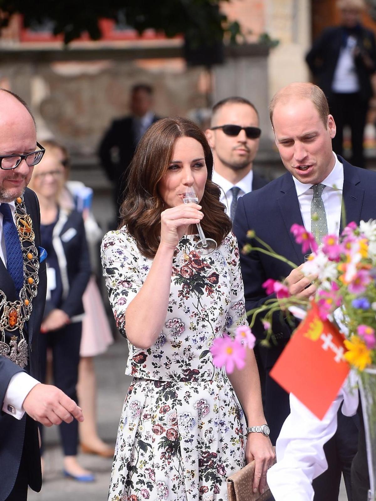 Księżna Kate i książę William próbują nalewek w Gdańsku
