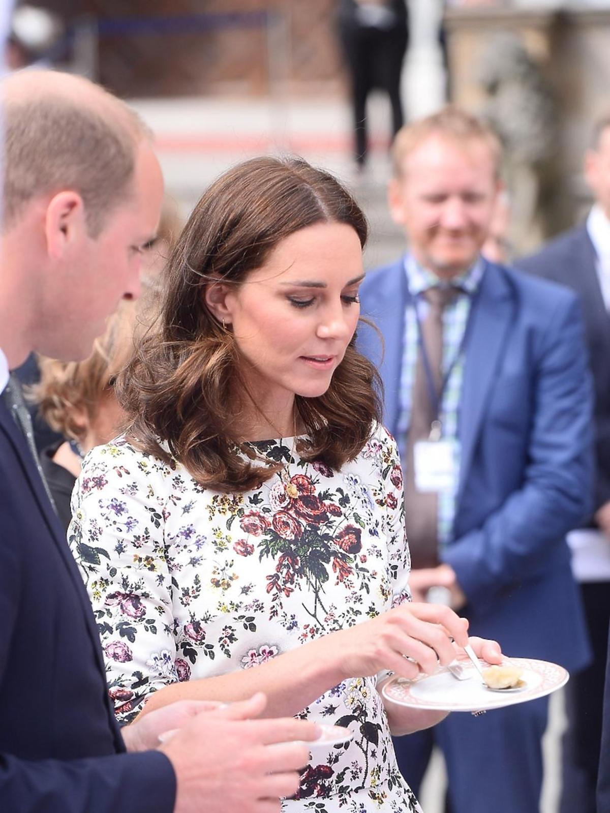 Księżna Kate i książę William próbują pierogów w Gdańsku