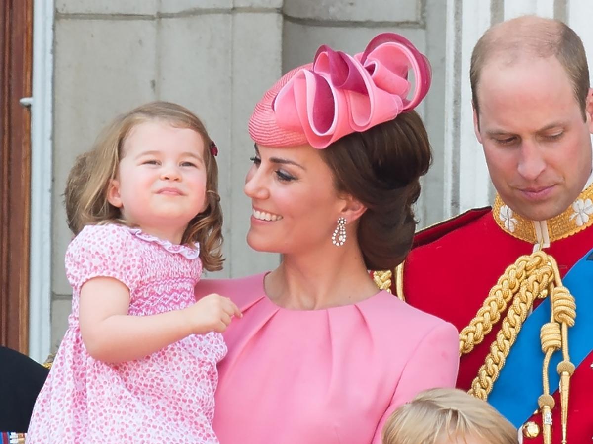 Księżna Kate, książę William, Charlotte i George na 91. urodzinach królowej Elżbiety