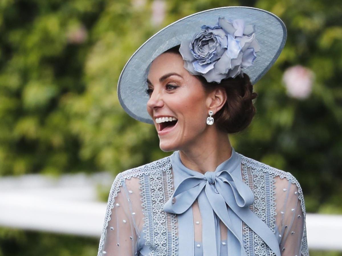 księżna Kate podczas wyścigów w Ascot 2019
