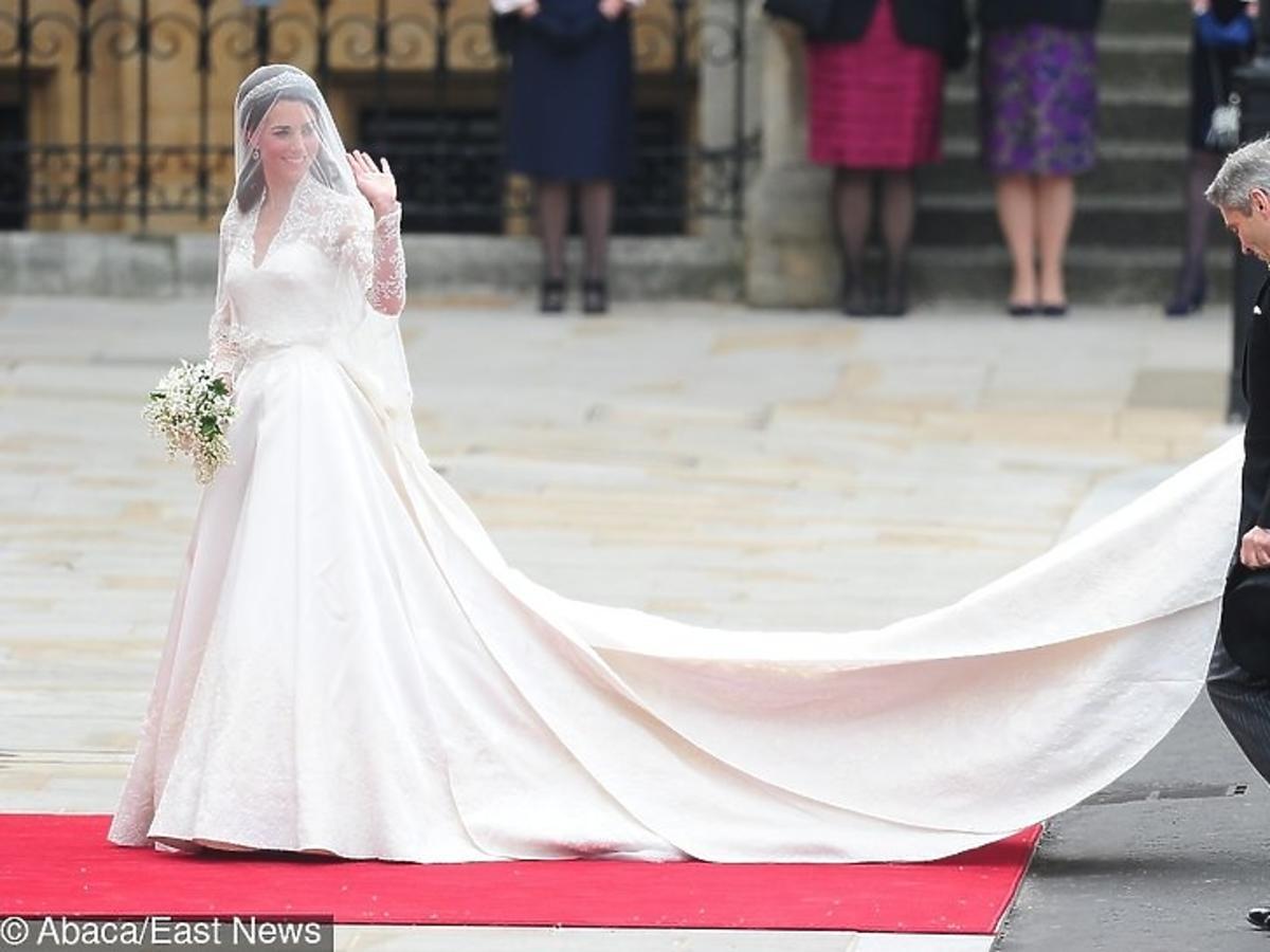 księżna Kate suknia ślubna