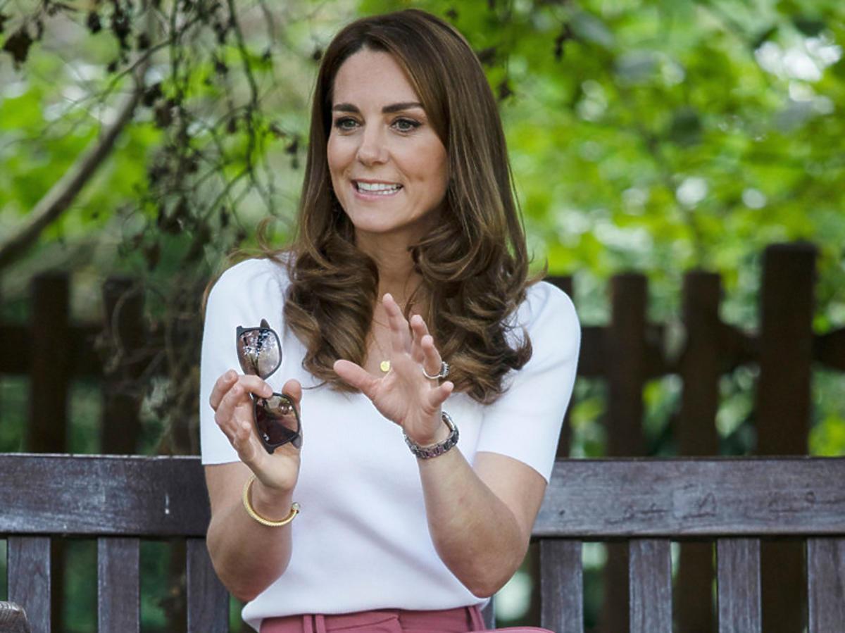 Księżna Kate w butach Superga 2750 Cotu Classic