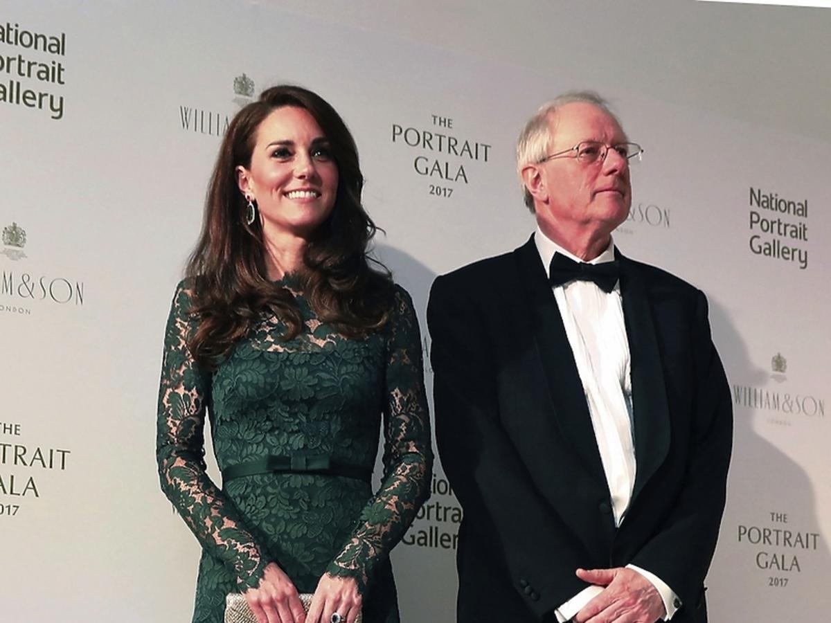 Księżna Kate w długiej, zielonej, koronkowej sukni Temperley London