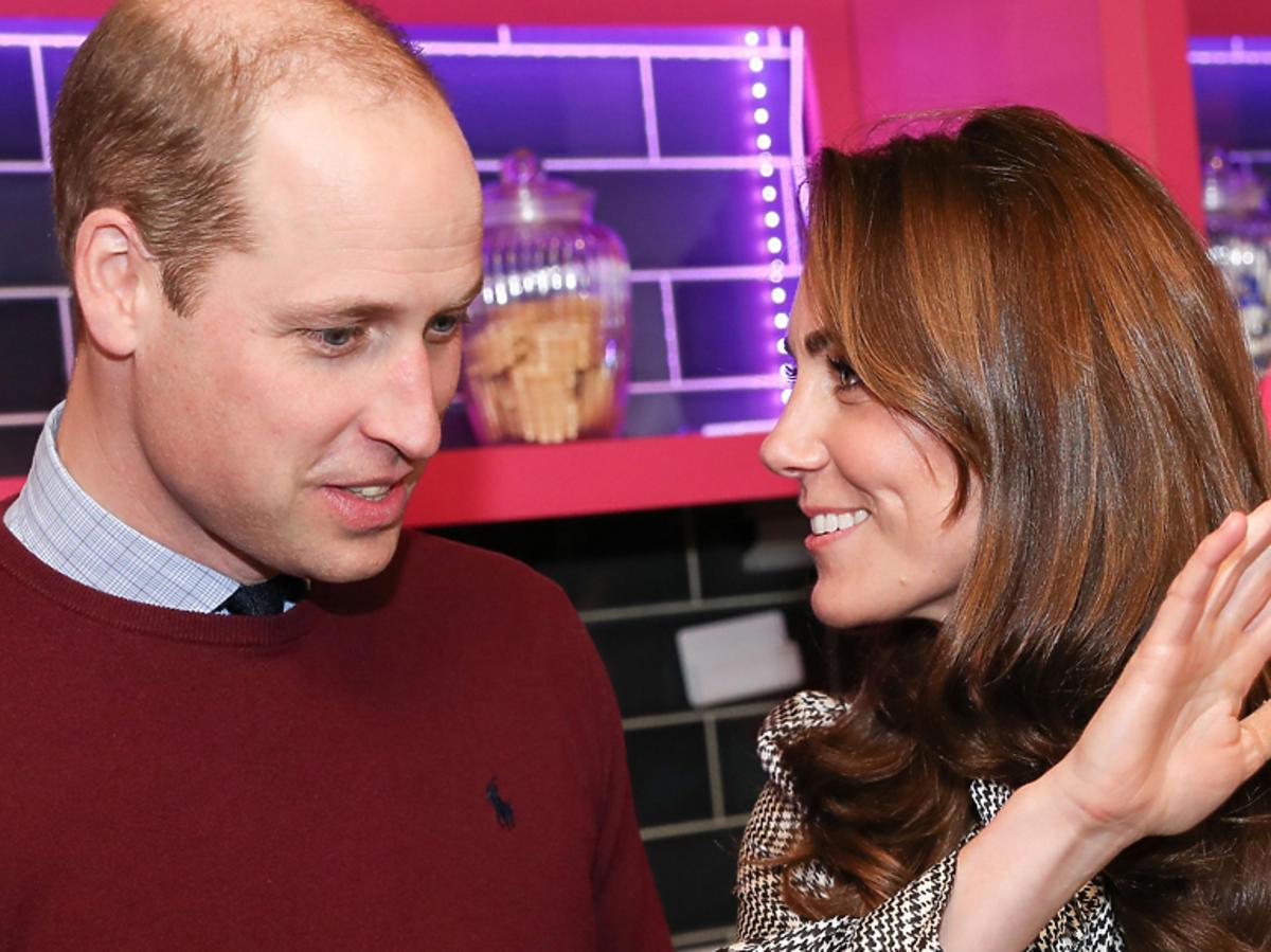 Księżna Kate w kraciastej sukience z Zary