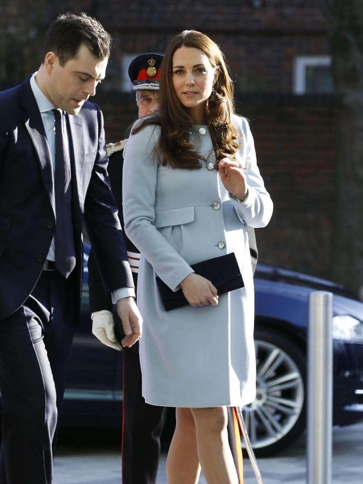 Księżna Kate w siódmym miesiącu ciąży