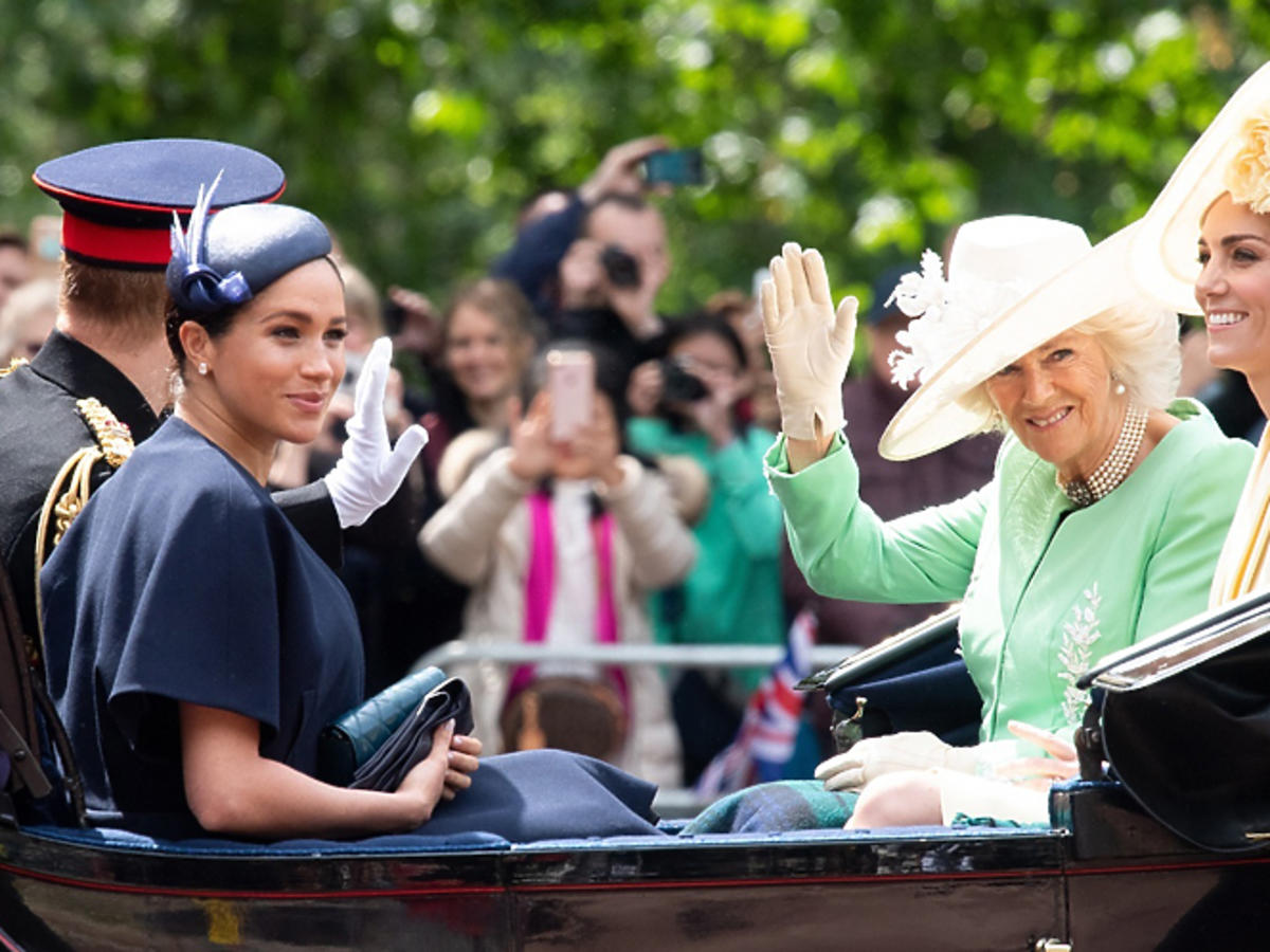 Księżne Meghan i Kate świętują urodziny królowej Elżbiety II