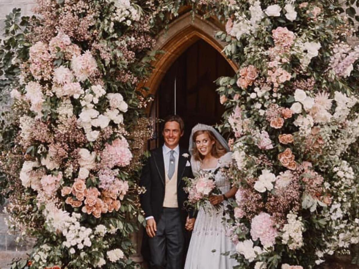Księżniczka Beatrycze i Edoardo Mapelli Mozzi na ślubie