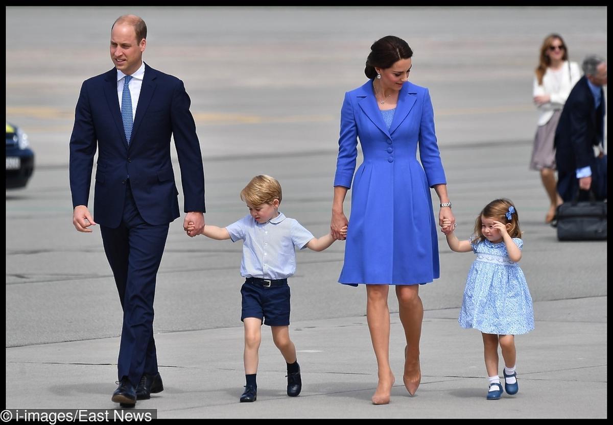 księżniczka Charlotte i książę George na lotnisku odlatują z Polski