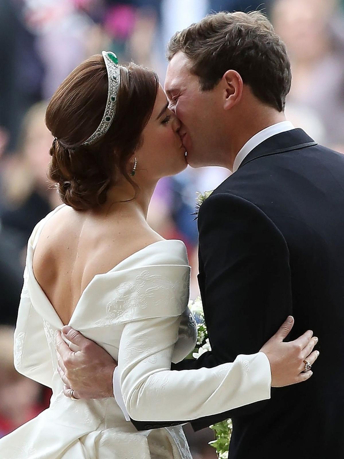 Księżniczka Eugenia pokazała ogromną bliznę na plecach podczas ślubu