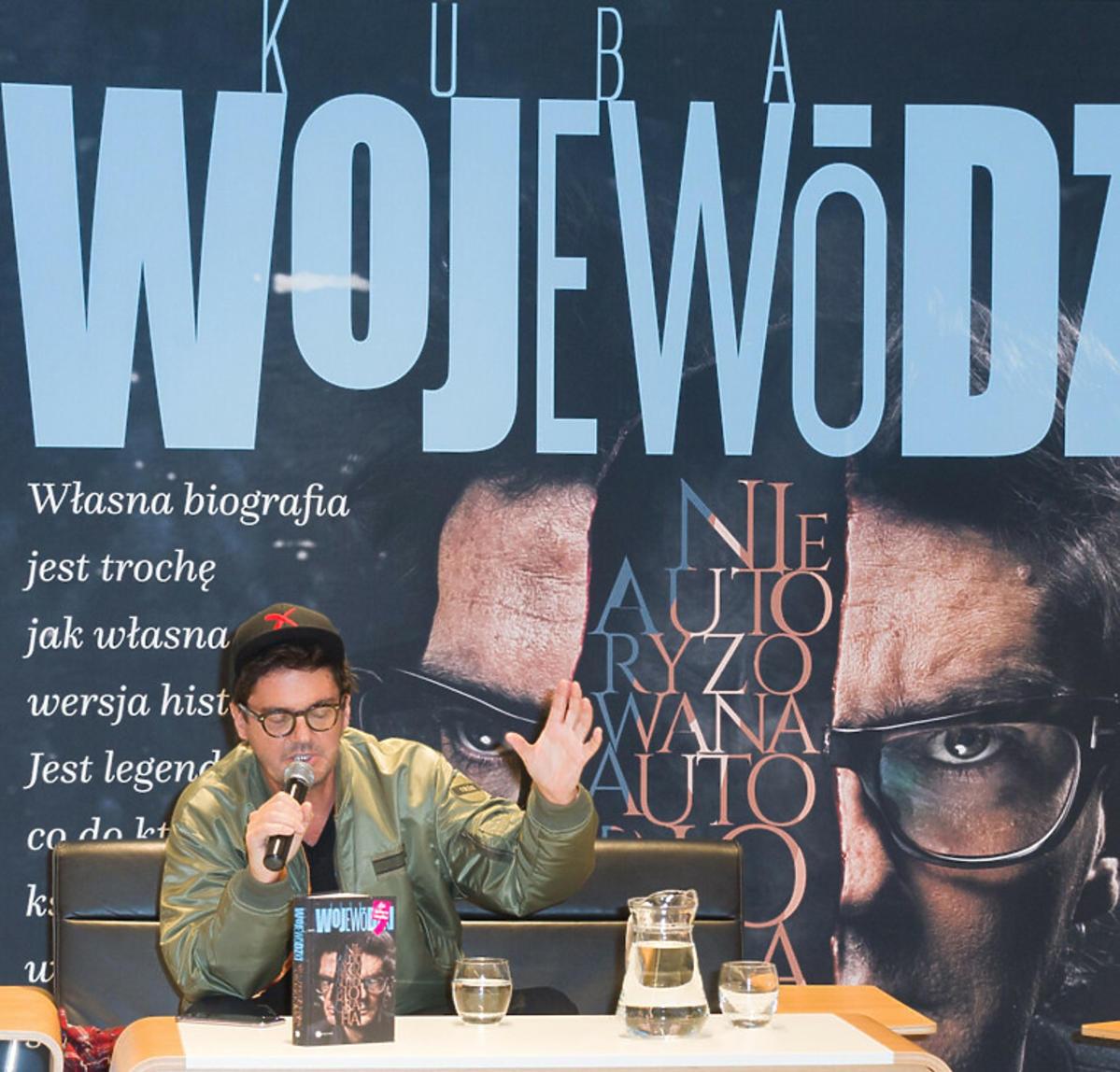 Kuba Wojewódzki prezentują swoją autobiografię