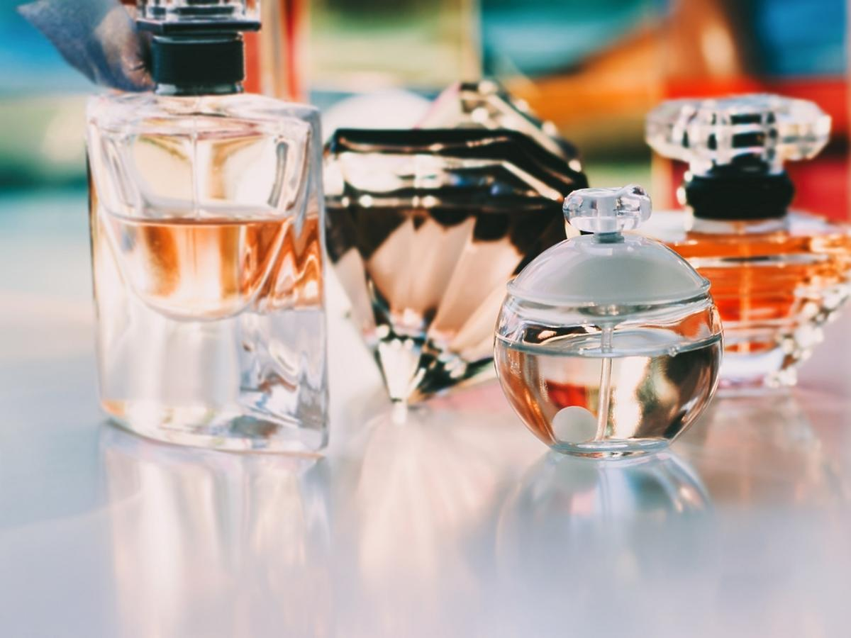 Kultowe damskie perfumy - idealny prezent dla niej na Mikołajki