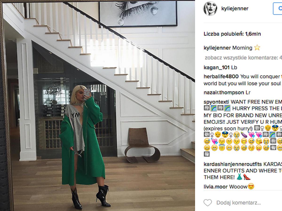 Kylie Jenner z zieloną bluzą