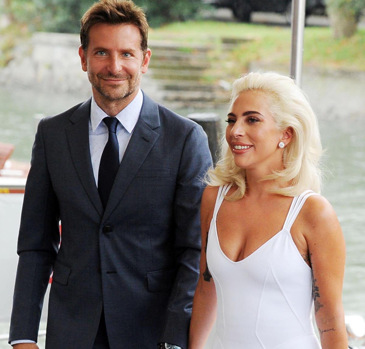 Lady Gaga w białej sukience