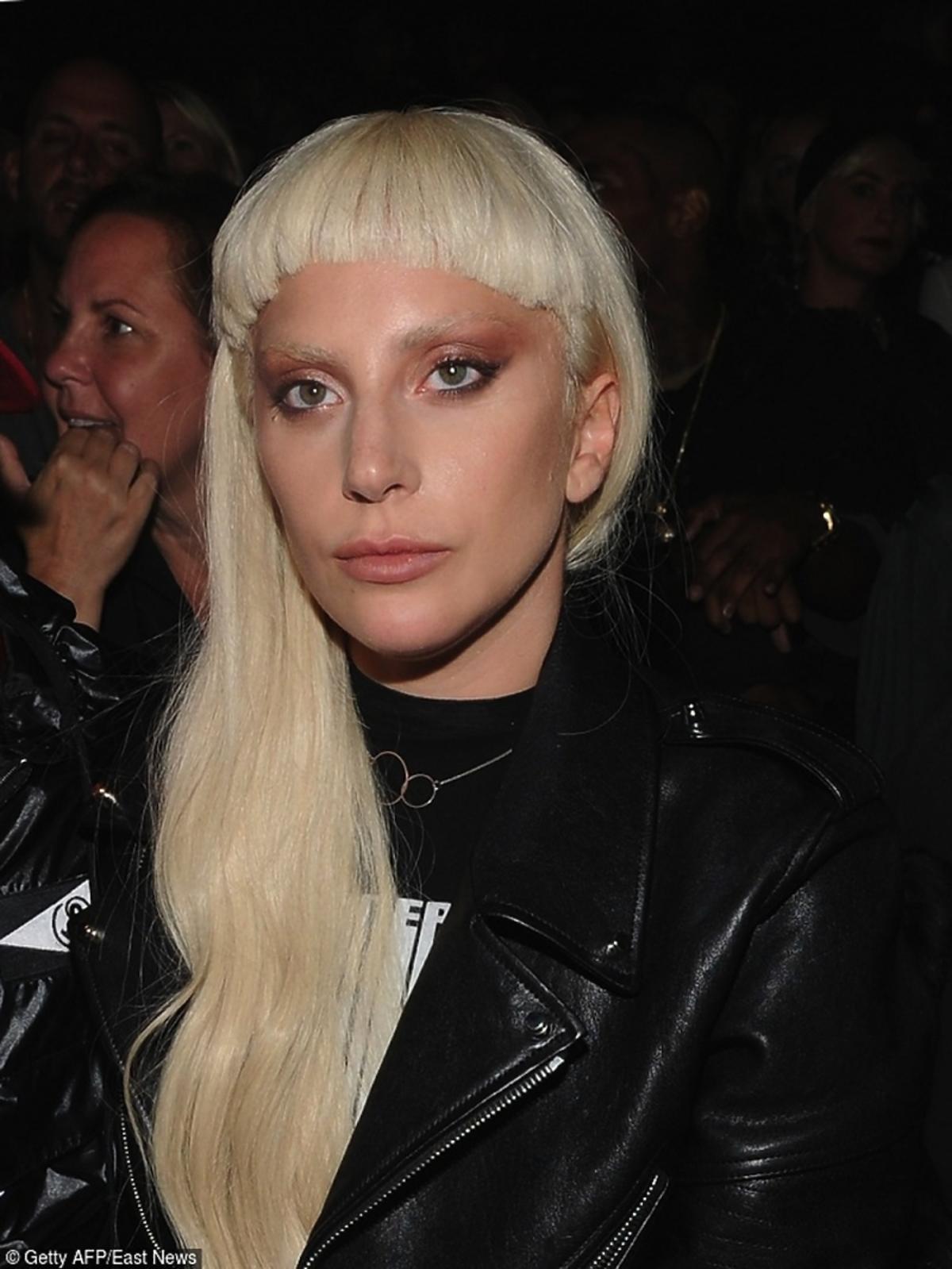 Lady Gaga w grzywce
