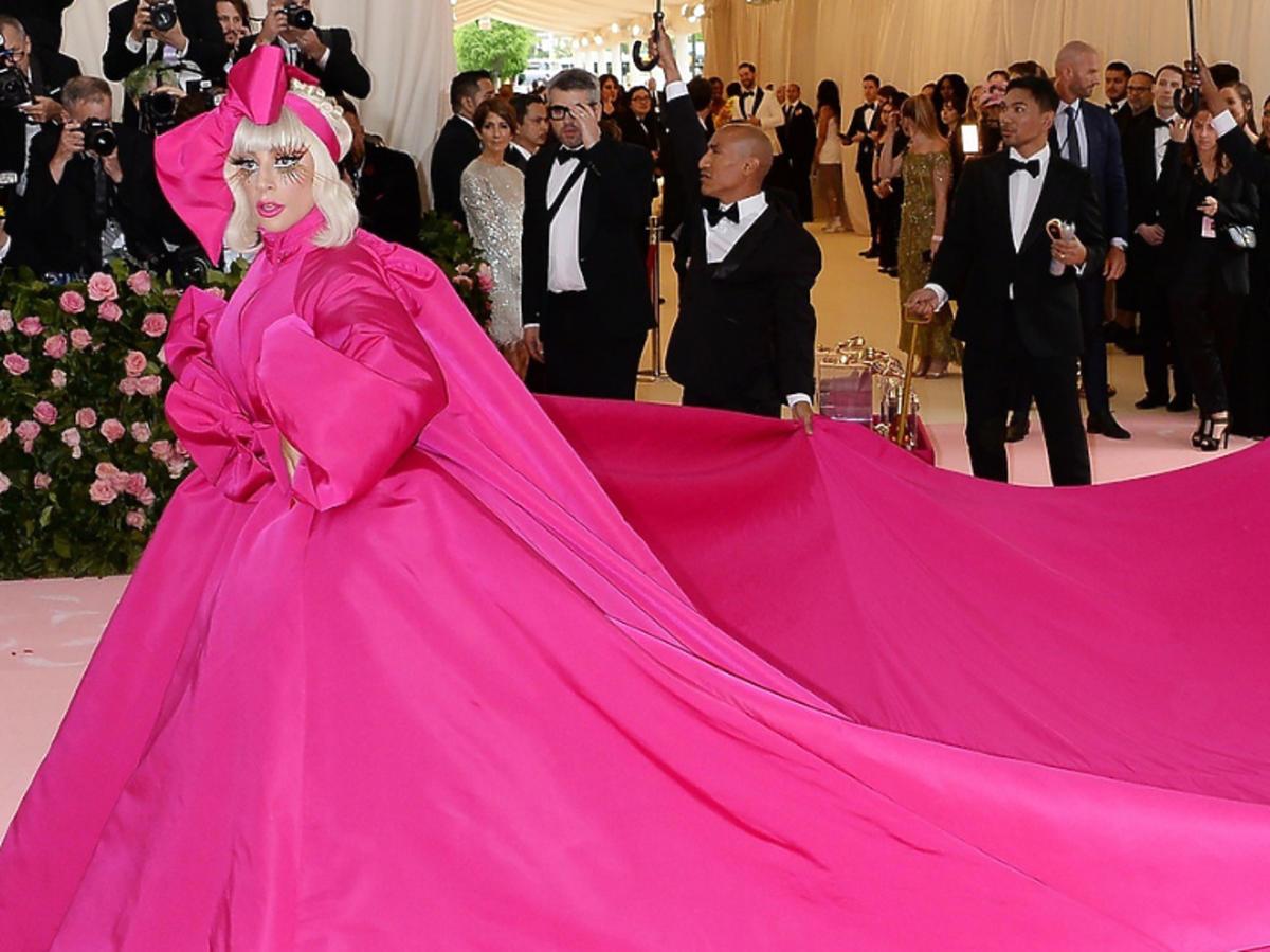 Lady Gaga w różowej sukni