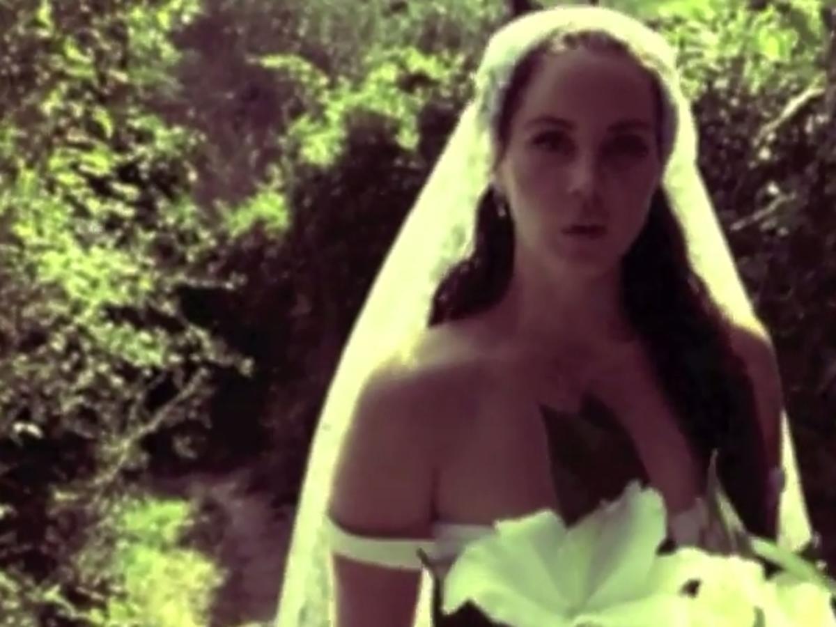Lana Del Rey w sukni ślubnej