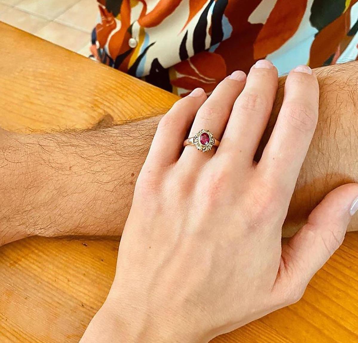 Lara Gessler zaręczyła się